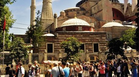 İstanbul'u 8 milyona yakın turist ziyaret etti! İlk sırada…