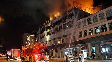 Bursa'da iş merkezinde yangın çıktı! Bazı dükkanlarda…
