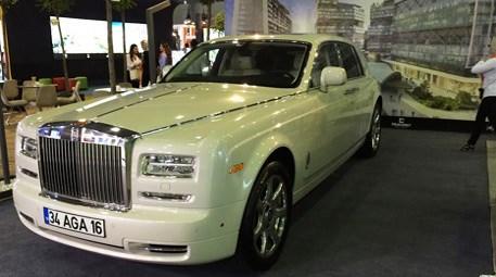 Çılgın işadamı fuara Rolls Royce'unu getirdi! İyi tanıyorsunuz...