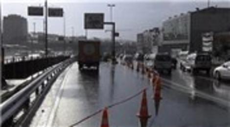 Otogar alt geçidini su bastı! Trafiğe kapatıldı!
