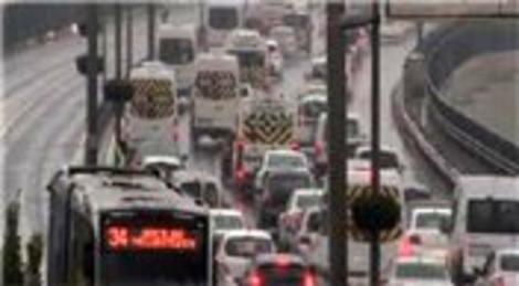 İstanbul'da yağmur trafiği…