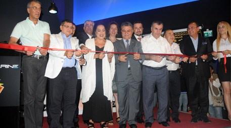 Yeşilçam'ın sultanı sinema kompleksinin açılışını yaptı