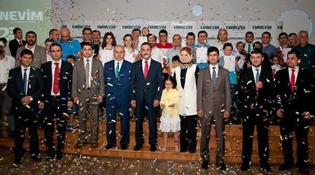 Eminevim Trabzon'da tapuları teslim etti!