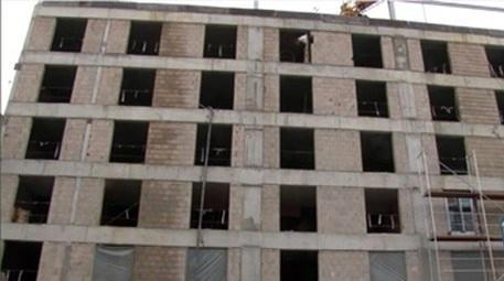 Karaköy'de otel inşaatında işçi 6'ncı kattan düştü