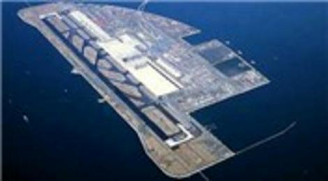 Denizdeki havalimanı, Karadeniz'in hırçın dalgalarına direndi