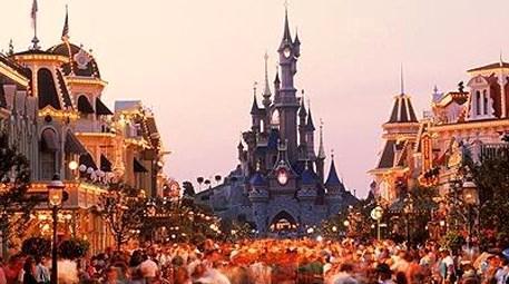Oyun parkıyla tanınan Disneyland, kurtarılmayı bekliyor!
