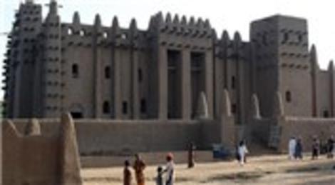 Dünyanın en büyük kerpiç camisi, UNESCO listesinde...