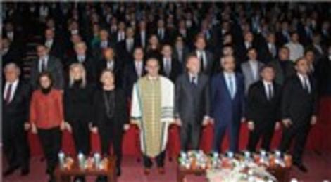 Ferit Şahenk'e fahri doktora unvanı verildi