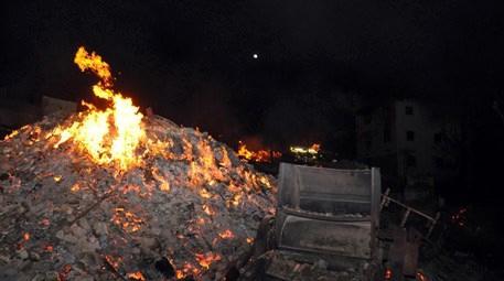 Çorum Bayat'ta yangın... 30 ev cayır cayır yandı!