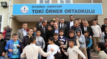 Necmi Kadıoğlu, TOKİ Örnek Ortaokulu'nu ziyaret etti