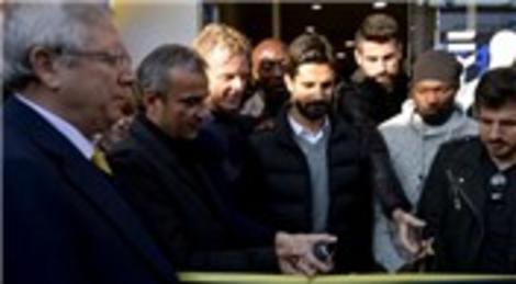 Fenerium, Ortaköy'de 100'üncü şubesini açtı!