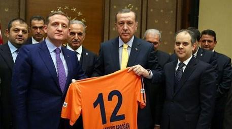 Erdoğan, Başakşehirspor'u kabul etti!