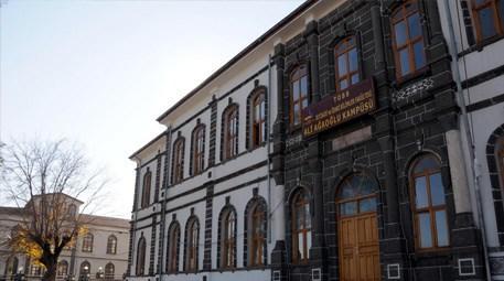 Diyarbakır'daki tarihi bina