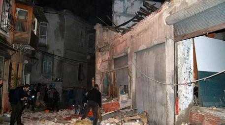 İzmir konak çöken bina