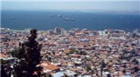 İzmir'de 1.6 milyon liraya satılık avlulu ev ve arsa!