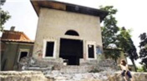 İzmir'de paylaşılamayan Paterson Köşkü harabe oldu
