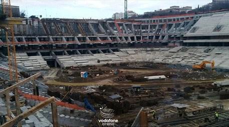 Vodafone Arena tribünle taç mesafesi