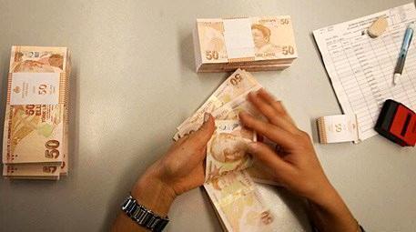 Kağıt para sayılırken