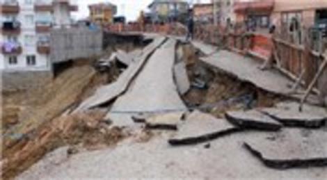 Ankara'da inşaat çalışmaları nedeniyle yol çöktü!