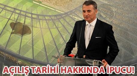 Beşiktaş Vodafone Arena'da çatının yapımına başlandı!