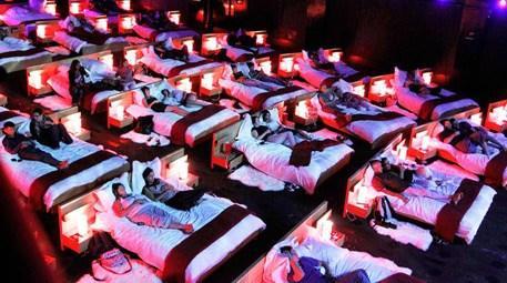tiyatro ve sinema salonları