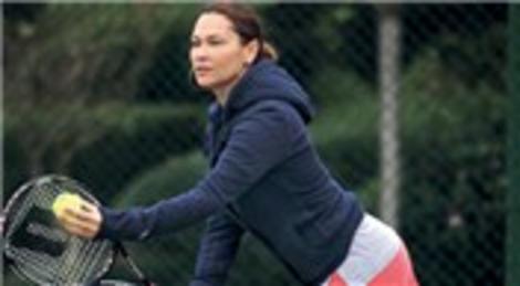 Hülya Avşar'ın hayali tenis okulu açmak!