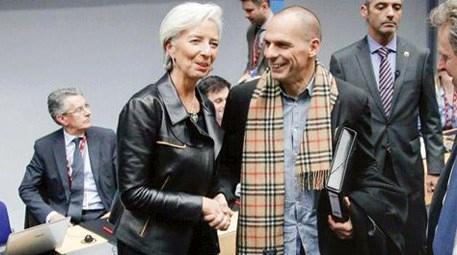 Maliye Bakanı Yanis Varufakis atkısı