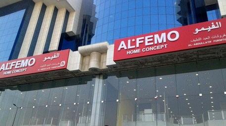 Suudi Arabistan'da 3 mağaza birden açtı!