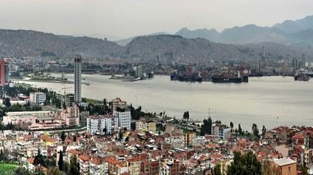 İzmir'de 3 katlı satılık binanın fiyatı…