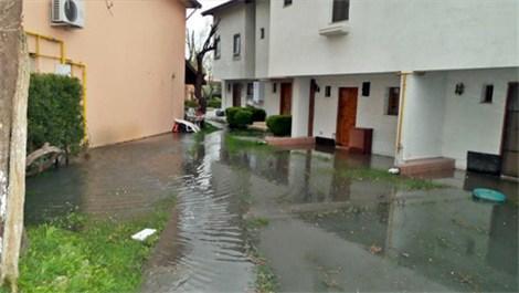 Sapanca Gölü taştı, evler su altında kaldı!