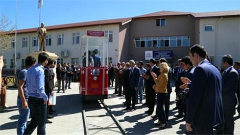 Üniversite öğrencileri Hititray adında tramvay üretti!
