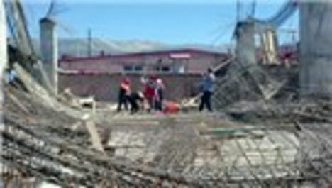 Kahramanmaraş'ta inşaatta göçük: 3 işçi enkaz altında!