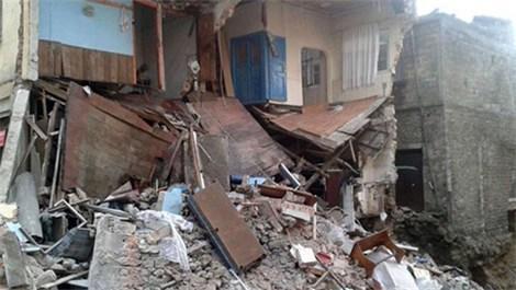 Giresun'da 2 katlı bina çöktü!