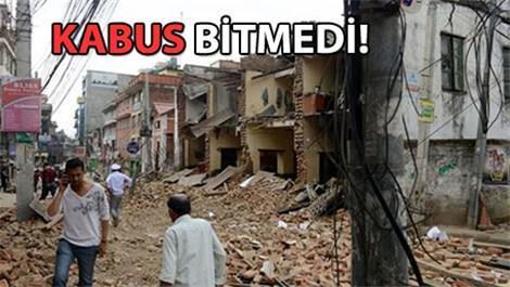 Nepal'de yine deprem! Bu kez 7.4!
