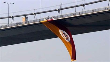 Boğaz Köprüsü Galatasaray bayrağı