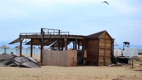 Ayvalık Sarımsaklı Plajı sahipsiz kaldı