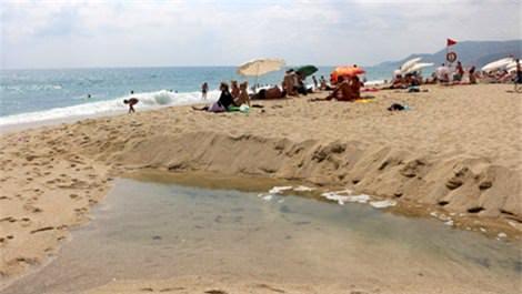 Kleopatra Plajı kurtçuklardan arındırıldı!