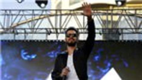 Murat Boz, Mall of İstanbul'a efsane bir gece yaşattı!