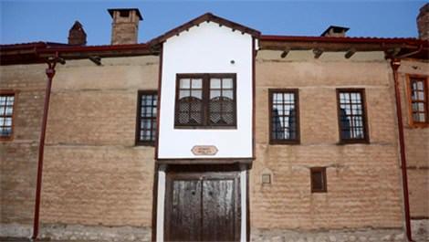 Süleyman Demirelin doğduğu ev