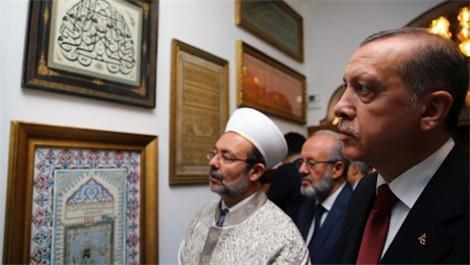 Yenilenen Eyüp Sultan Türbesini gezen Cumhurbaşkanı Recep Tayyip Erdoğan