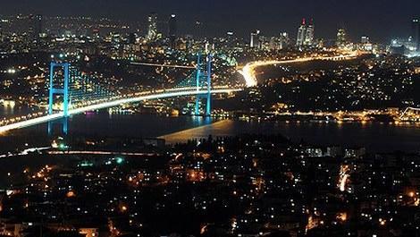 İstanbul Boğazı'nda karanlık