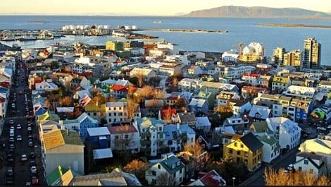İzlanda satılmaktan kurtuldu, bir de örnek ülke oldu