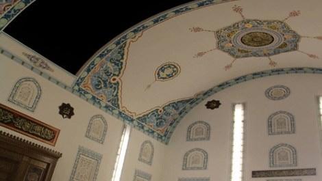 Bursa kubbesi açılan Safa Cami
