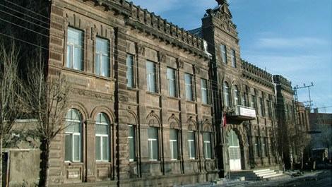 Karstaki tarihi binalar