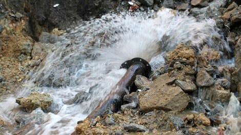 Su borusunun patlama anı