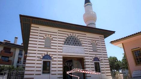 Validebağ Korusu'nun yanındaki cami