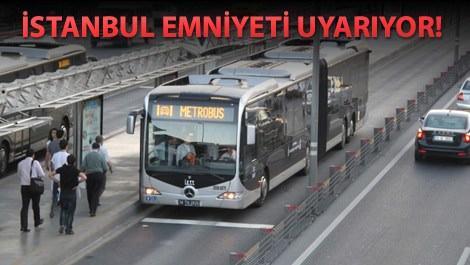 Metrobüse binen insanlar