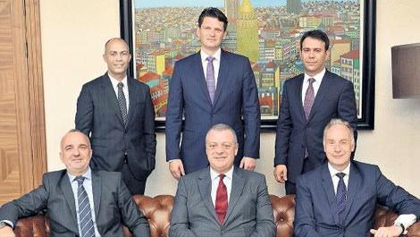 JLL Türkiye ve AVM Partners güçlerini birleştirdi