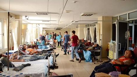 Medipol Üniversitesi'nin inşaatında zehirlenen işçilerin hastanedeki görüntüsü
