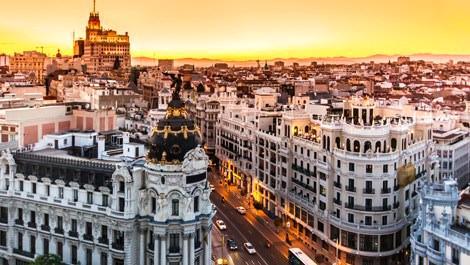 İspanya'daki büyük ihtişamlı binalar